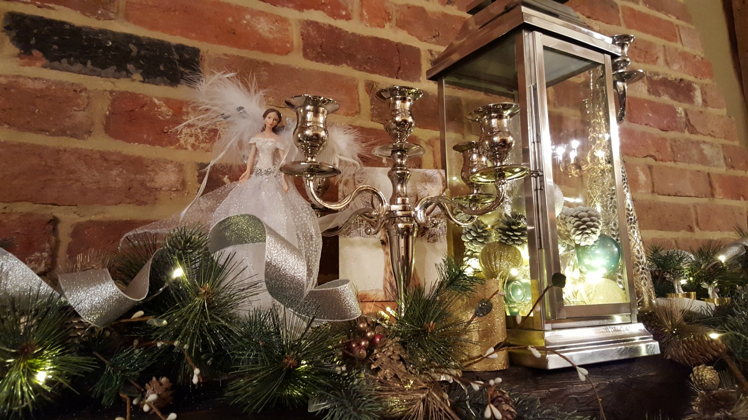 The stunning Christmas fireplace at TheEssexBarn.com